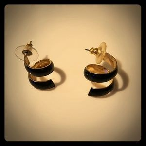 "Vintage ""ribbon"" post earrings, preowned."